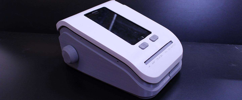3D geprint diagnose-apparaat tegen malaria met een oude smartphone