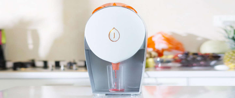 De JUISIR: mooie, krachtige juicer die je niet schoon hoeft te maken