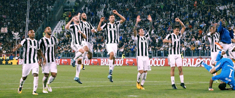 Het Ronaldo effect: Juventus verkoopt in 24 uur 520.000 shirtjes
