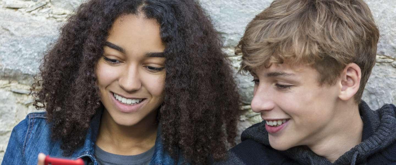Smartphones blijven voortaan in de tas bij Franse scholieren