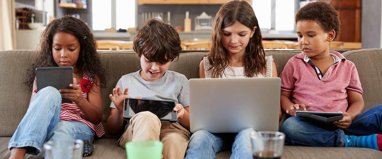 Telefoons en tablets zijn belangrijker voor kinderen dan vakanties en speelgoed