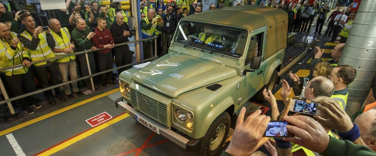 Laatste Land Rover Defender van band gerold in Solihull