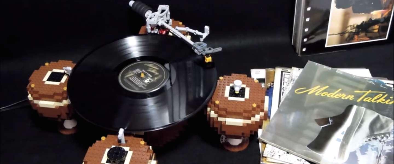 Een platenspeler van LEGO