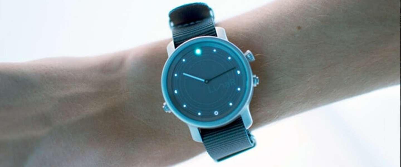 Startup belooft met LunaR een smartwatch zonder oplader