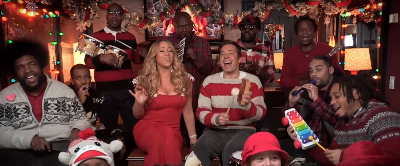 Dit blijft het allerleukste kerstfilmpje ooit: Jimmy Fallon en sexy Mariah Carey