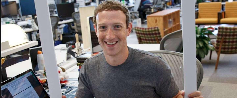 Mark Zuckerberg heeft tape over de camera van zijn laptop