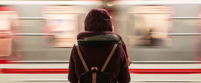 Gecrashte metro in Spijkenisse is wereldnieuws én trending op social media