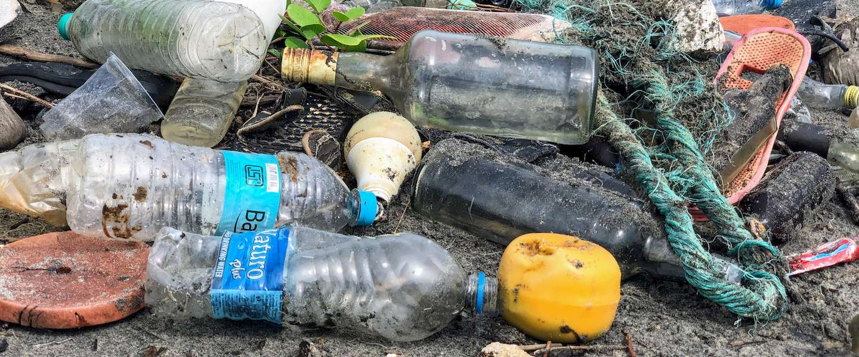 Hoe bewust zijn consumenten zich van plastic afval?