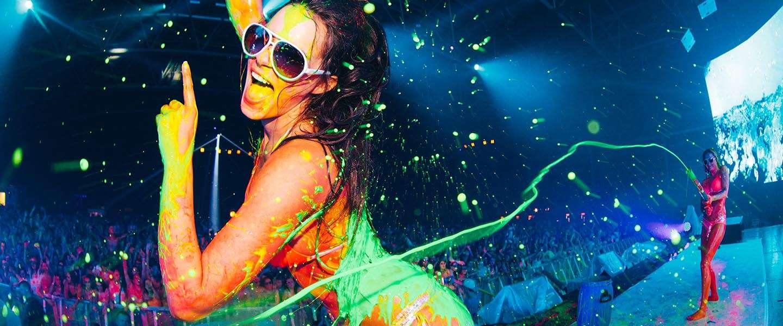 15.000 liter vloeibare neon-verf in de Ziggo Dome