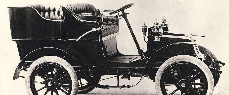 120 jaar later staat Peugeot opnieuw aan de start van de race Parijs- Amsterdam