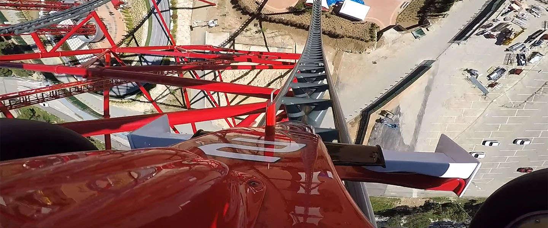 Snelste achtbaan van Europa? Van 0 - 180 km/u in 5 seconde
