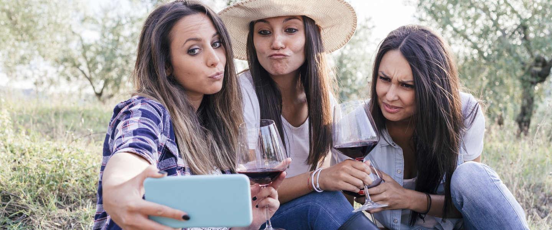 De selfie-paradox: iedereen wil ze maken, maar niemand wil ze zien