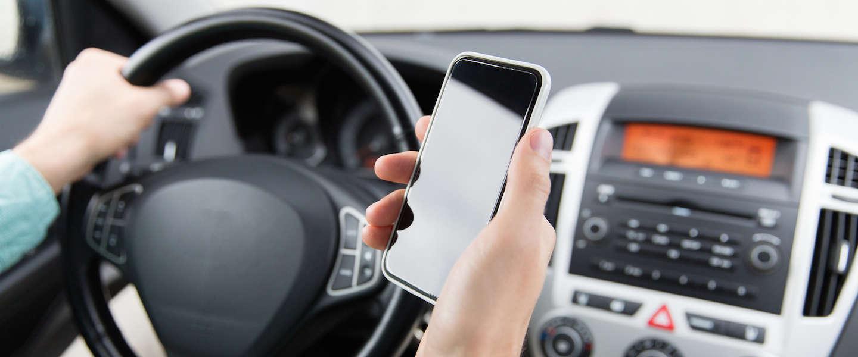 Dit is de oplossing voor appen achter het stuur!