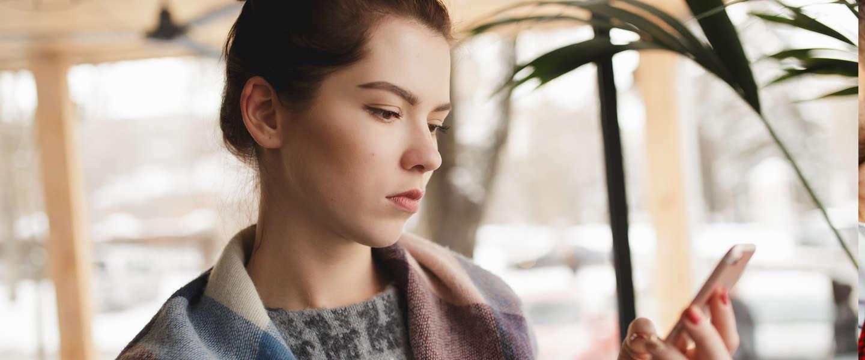 Hangen social media gebruik en gevoelens van eenzaamheid samen?