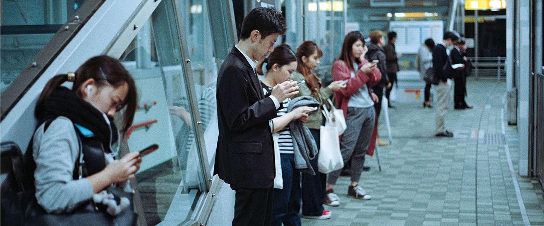 Chinezen spenderen twee dagen per week aan hun smartphone