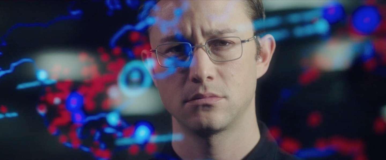 Dit is de officiële trailer van Snowden, de bekendste klokkenluider ter wereld