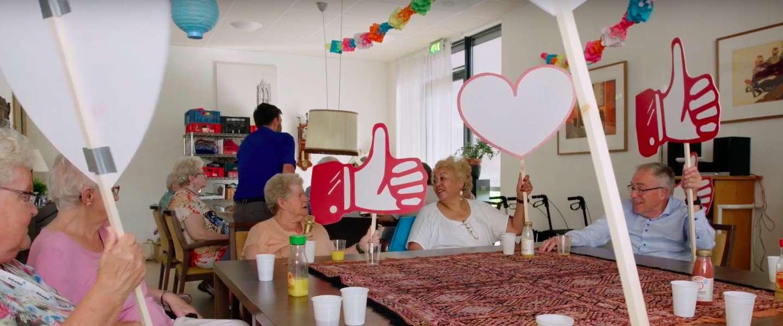 Snapchat voor ouderen: minder eenzaam door gebruik van offline social media