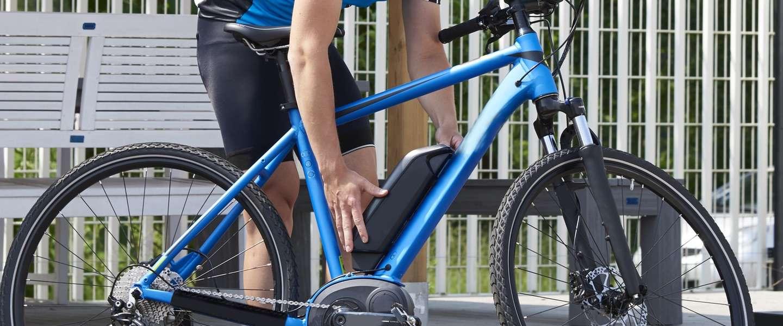 Zijn speed pedelecs gevaarlijker op de weg of op het fietspad?
