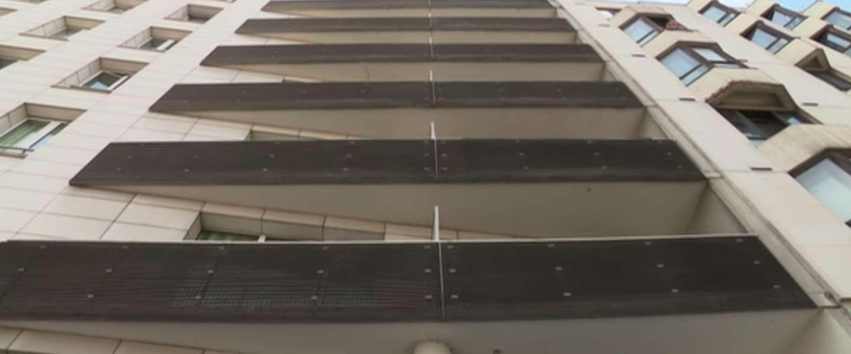 Video: deze 'Spiderman' redt een kind van een balkon in Frankrijk