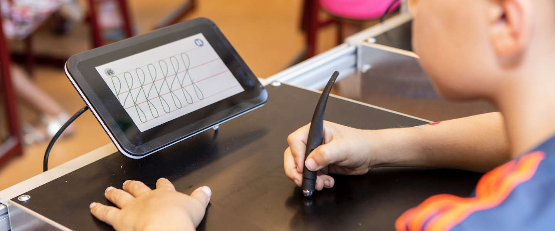 De Sqriba een robot die je leert schrijven
