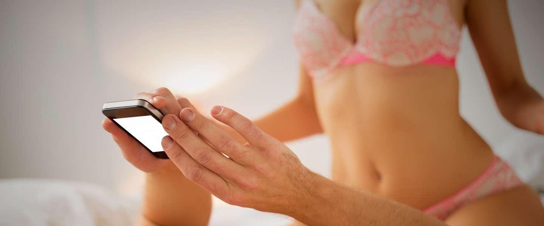 What the fuck: één op zes jongeren in VS checkt mobiel tijdens seks