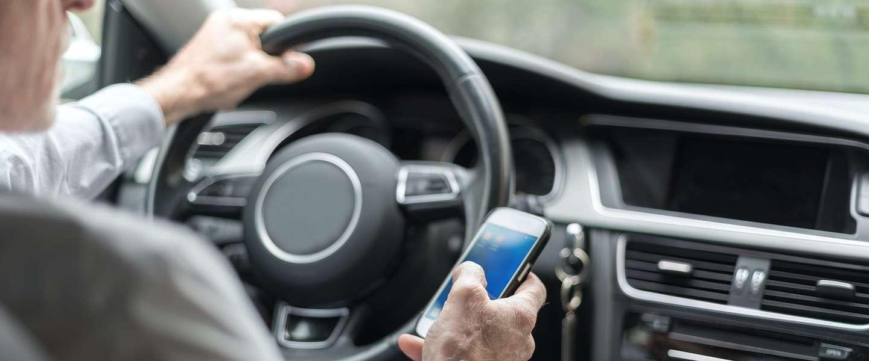 """""""Telefoon in de auto moet zelfde straf krijgen als rijden met alcohol"""""""