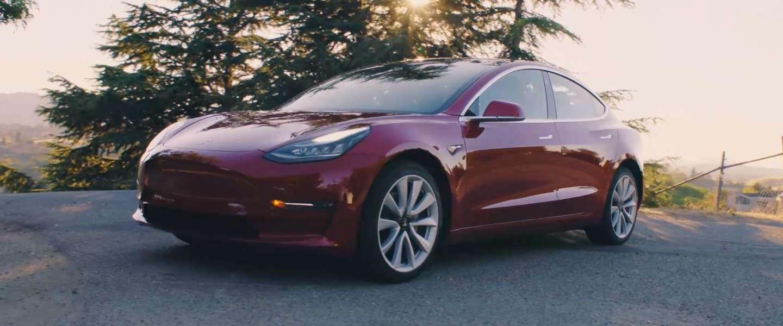 Tesla stopt tijdelijk met productie Model 3