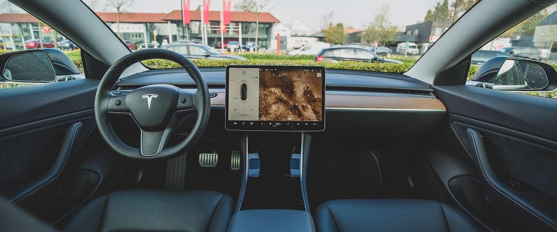 Tesla's gaan YouTube en Netflix streamen