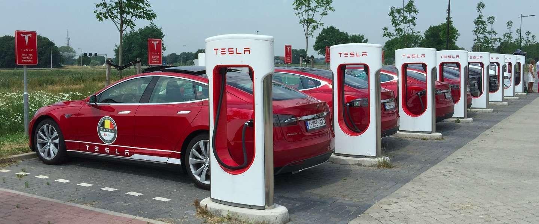 Elon Musk belooft volgend jaar 100 procent dekking voor de Tesla Supercharger in Europa