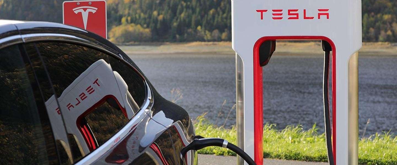 Eerste Tesla V3-Supercharger is al gesignaleerd