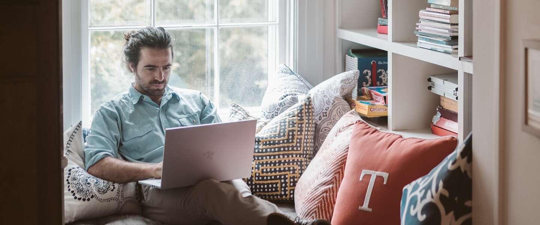 Dag van de thuiswerker: een jaar lang in joggingbroek achter de laptop