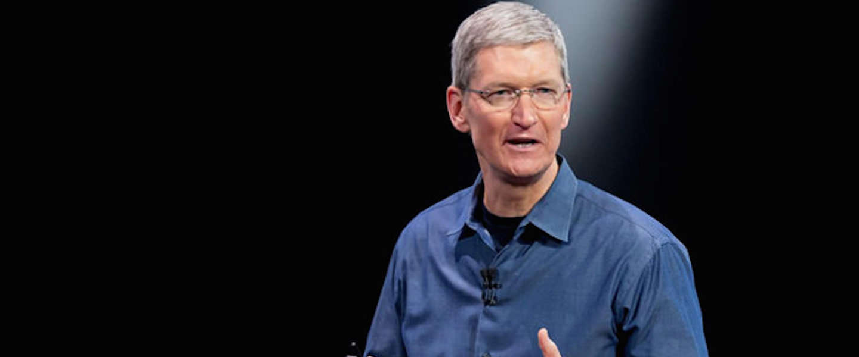 Tim Cook is 5 jaar CEO bij Apple en krijgt een bonus van 100 miljoen dollar