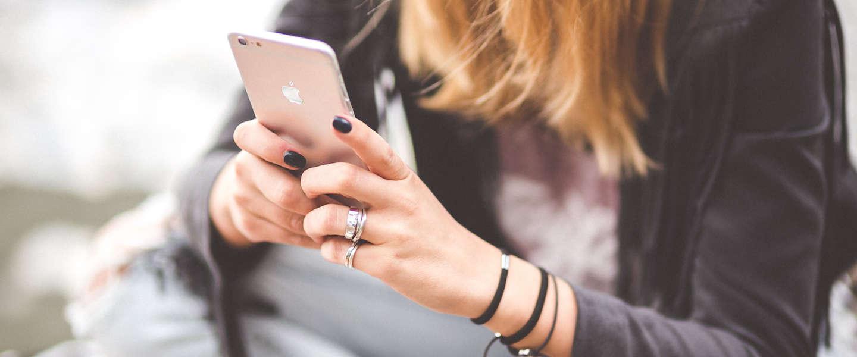 Geen Tinder meer voor jongeren onder achttien jaar