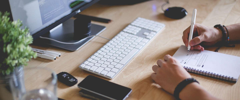 Tips en oefeningen voor een goede werkhouding op kantoor