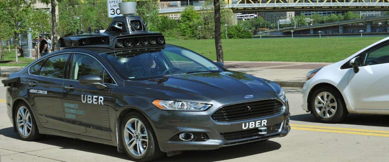 Uber voert eerste testen uit met zelfrijdende auto's