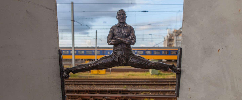 Epic split Jean-Claude van Damme vereeuwigd