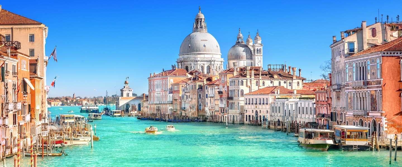 Dolfijnen gespot in kanaal in Venetië