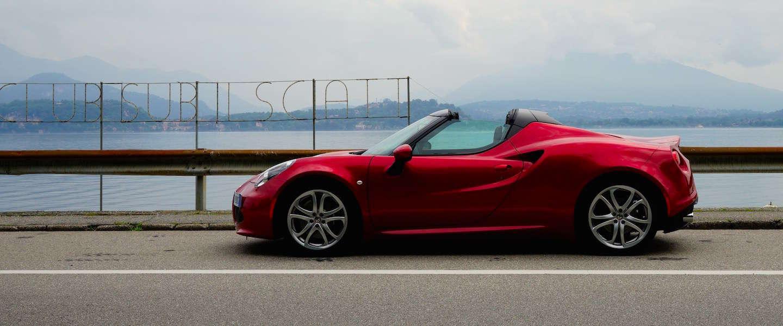 Alfa Romeo 4C Spider, extreme supercar zonder kapsones