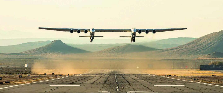 Video: Het allergrootste vliegtuig ter wereld maakt test vlucht