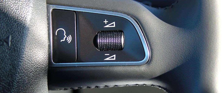 Is spraaktechnologie in de auto wel zo veilig?