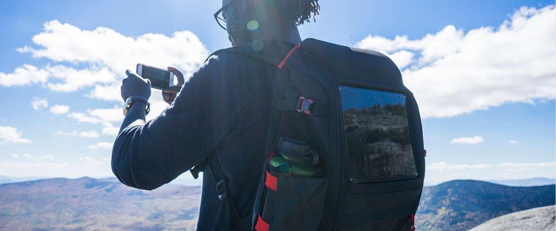 Solar-rugzak die je laptop kan opladen komt eraan