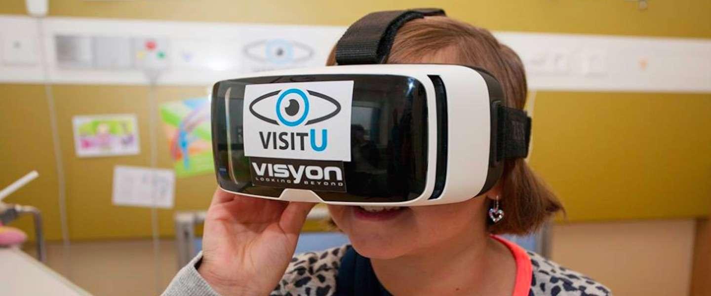 MMC laat patiënten live thuis rondkijken door VR-bril