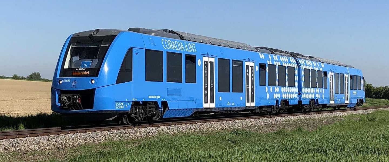 Eerste waterstoftrein maakt testritten tussen Groningen en Leeuwarden