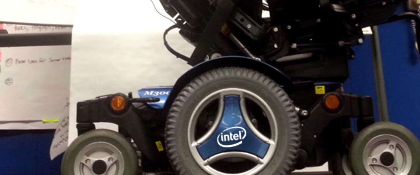 Stephen Hawking en Intel kondigen ontwikkeling aan van Connected Wheelchair