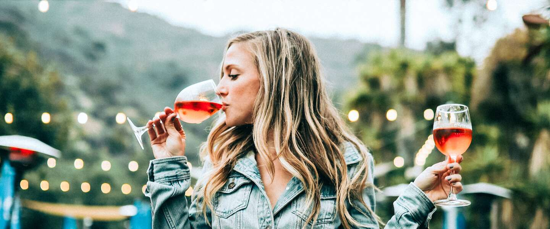 Ben je een wijnliefhebber? Solliciteer dan nu naar de functie van 'winefluencer'!