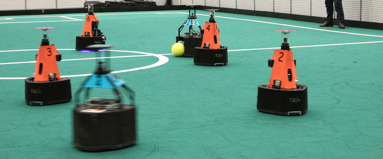Robot-leeuwinnen van TU Eindhoven verdedigen in Sydney de wereldtitel
