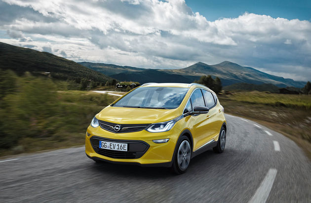 01-Opel-Ampera-E-303294