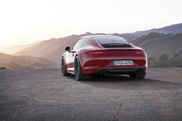 01-Porsche-911-Carrera-GTS-P14-0889