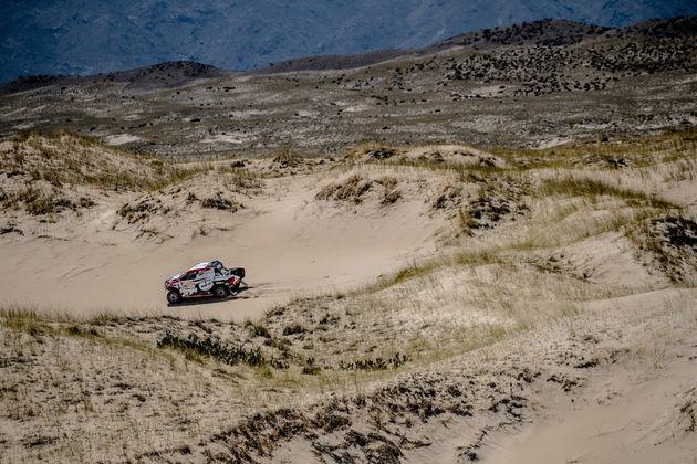 02-Historische-zege-voor-Bernhard-ten-Brinke-en-Toyota-Hilux-in-Dakar-2018