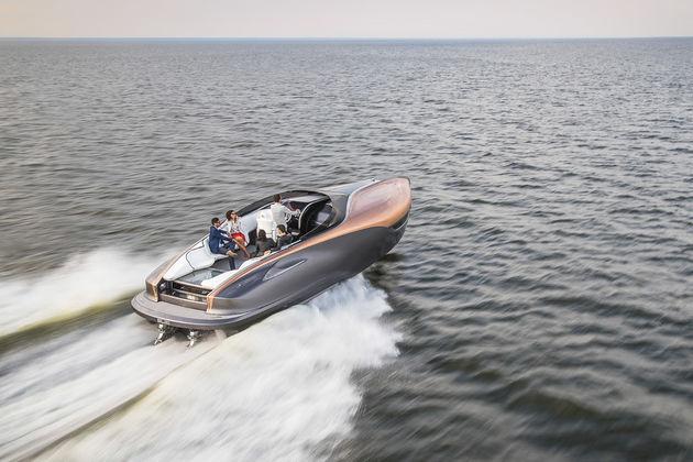 03-Lexus-Sport-Yacht